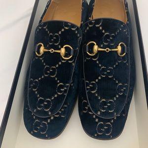 Authentic Gucci Velvet Shoes Size 11 Current